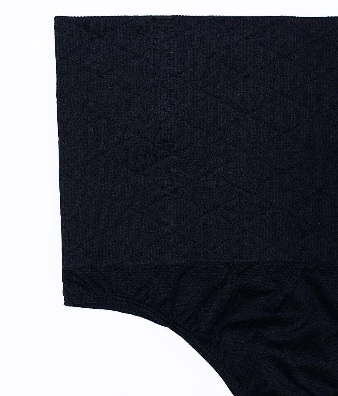 String Amincissant Noir Packshot Detail 1 bis