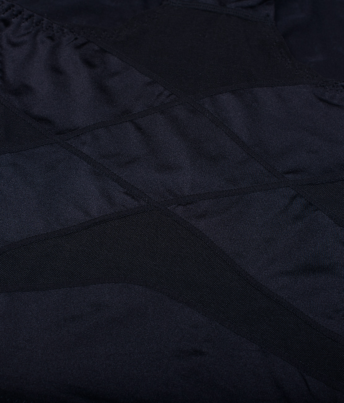 Culotte gainante soyeuse Noire Detail 2